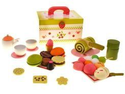 Wooden trunk dessert cakes sweets ZA0923